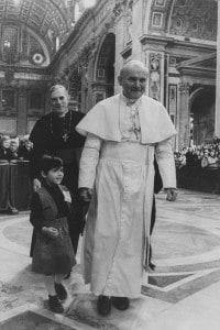 Giovanni Paolo II durante un'udienza in Vaticano nel 1979