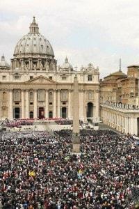 Funerali di Giovanni Paolo II a San Pietro a Roma, l'8 aprile 2005
