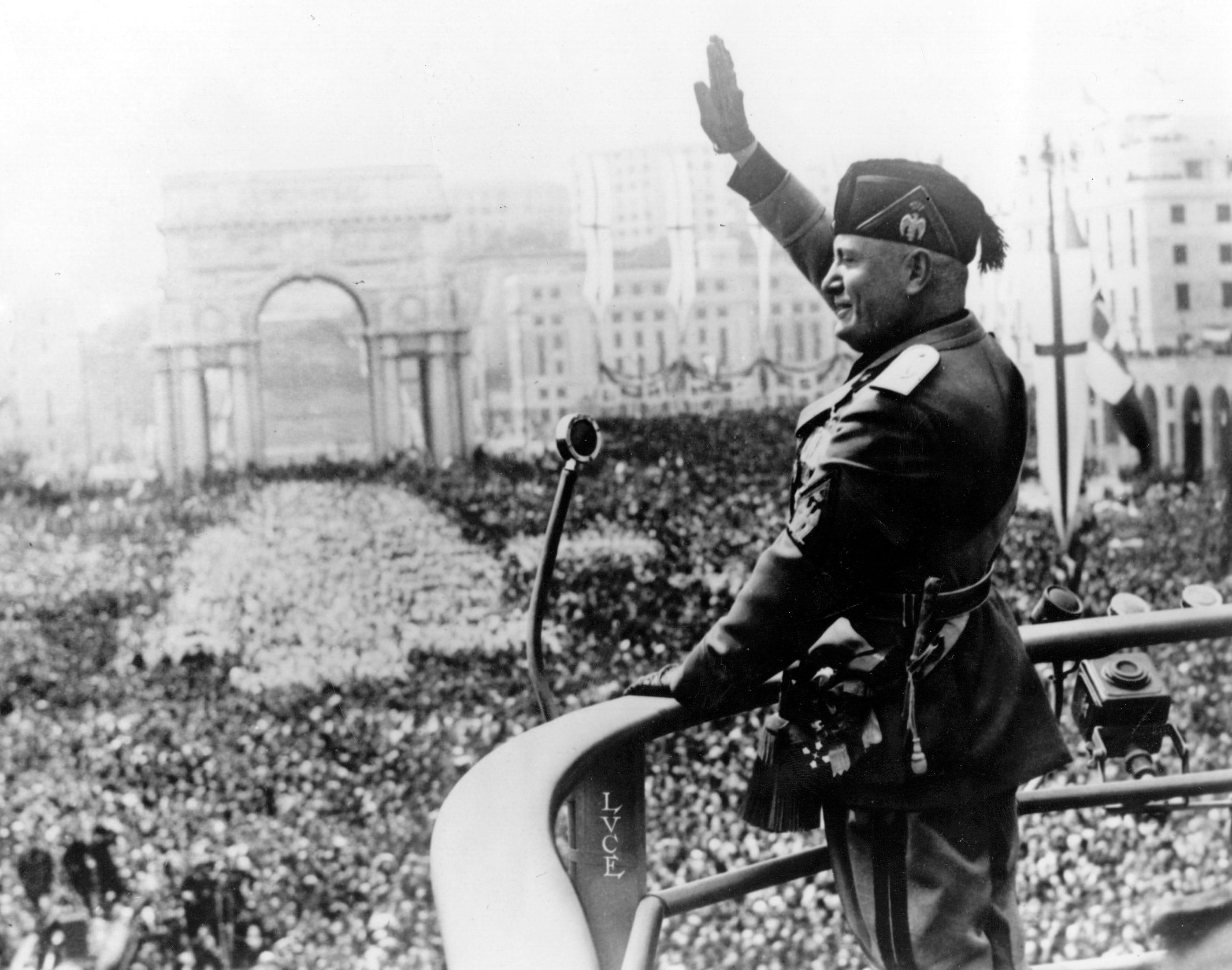 Fascismo significato cronologia e protagonisti for 3 case di storia in california
