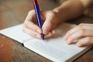 Quali sono i segreti per scrivere un buon testo argomentativo? E quali sono i rischi di fallacia?