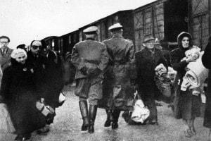 La giornata della memoria si celebra il 27 gennaio, giorno della liberazione del campo di sterminio di Auschwitz