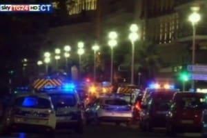 Un fermo immagine tratto da Sky Tg 24 mostra un momento dell'attacco terroristico a Nizza, 14 luglio 2016