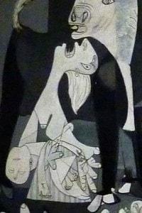 Particolare sul lato sinistro del dipinto Guernica