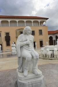 Statua di Baruch Spinoza