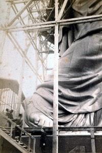 La Statua della Libertà costruita nelle strade di Parigi per mancanza di spazio nel laboratorio di Bartholdi
