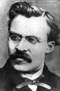 Foto di Friedrich Nietzsche, il primo esponente del nichilismo in Europa