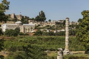 L'unica colonna rimasta del tempio di Artemide a Efeso, una delle sette meraviglie del mondo antico