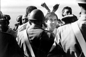I cento passi, foto dal film. Luigi Lo Cascio interpreta Luigi Impastato