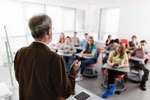 Come diventare simpatici ai prof? Ecco qualche consiglio utile!