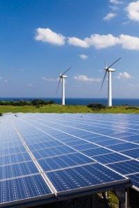 Pale eoliche e pannelli solari come fonti di energie rinnovabili
