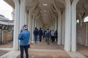 Il gruppo degli studenti del liceo Montessori in visita alla Moschea di Roma per una delle uscite sul campo