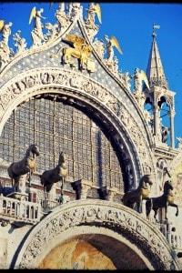 Cavalli di bronzo sulla facciata della Basilica di San Marco