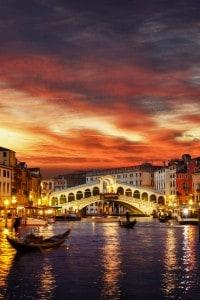 Ponte di Rialto durante il tramonto, Venezia