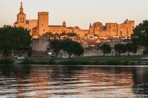 Il Palazzo dei papi ad Avignone è stato a lungo la residenza del papa francese