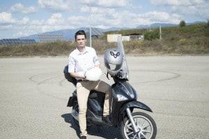 Emanuel Chirilia presenterà Blue Helmet, un casco per moto geolocalizzato che fornisce in tempo reale ai soccorsi tutte le coordinate necessarie in caso di incidente.