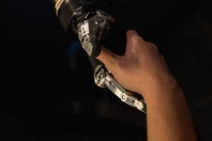 """Una """"stretta di mano robotica"""""""