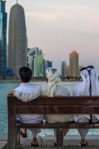 Con la globalizzazione, l'Oriente e l'Occidente si incontrano sempre più spesso nella vita quotidiana e nel business