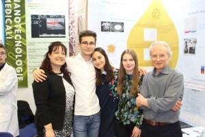 Lorenzo Soverchia, Noor Gholam, Elisa Ausili con i docenti Milva Antonelli ed Edgardo Catalani