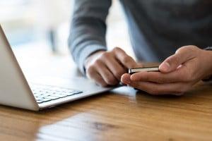 Con il cellulare alla maturità 2018: metodi e rischi