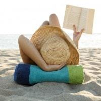 Le vacanze estive danneggiano i più poveri: vanno accorciate