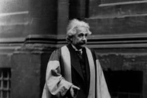 Einstein e la crisi: tema
