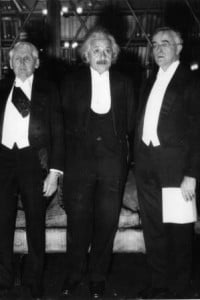 Albert Einstein riceve il premio Nobel per la Fisica nel 1921