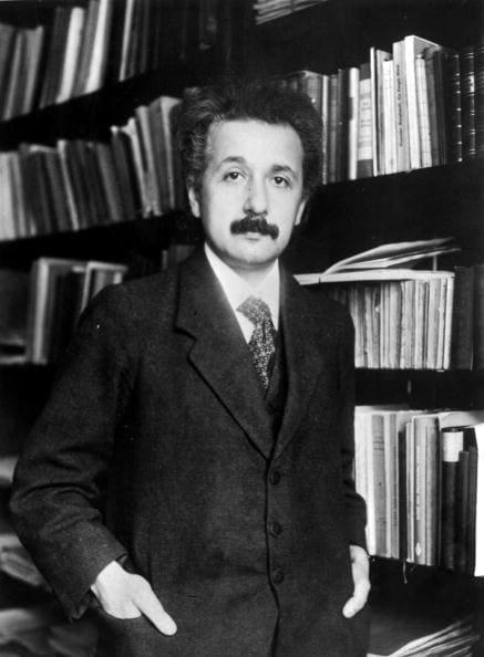 Einstein velocità datazione Dating online per il socialmente imbarazzante
