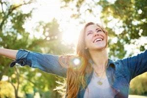Yoga della risata: se non puoi cambiare gli esami di maturità, puoi riderci sopra