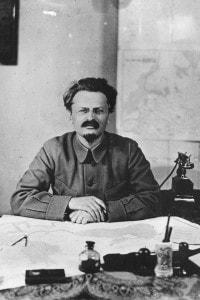 Leon Trockij, pseudonimo di Lev Davidovich Bronstein
