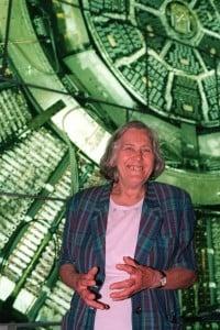 Margherita Hack al Palazzo delle Esposizioni durante la mostra Quark 2000