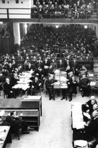 Foto del primo giorno del processo di Norimberga
