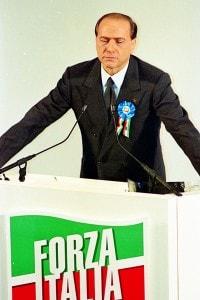 Silvio Berlusconi a una convention di Forza Italia nel 1994