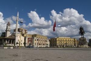 Sono in molti i ragazzi che scelgono di studiare medicina in Albania, a Tirana