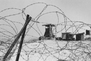 Torre di avvistamento durante il conflitto israelo-palestinese, circa 1990