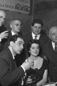 """Italo Calvino al premio Bagutta nel 1959. Vince con """"I racconti"""""""