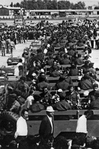 8 settembre 1972. Le bare della squadra olimpionica israeliana trasportate su veicoli militari all'aeroporto di Lof, Israele