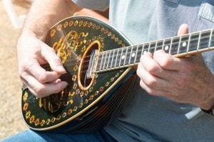 Strumento musicale greco: il Bouzouki