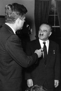 Anastas Ivanovich Mikoyan incontra Kennedy per parlare della crisi di Cuba
