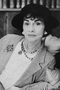 La stilista francese Coco Chanel nel 1962