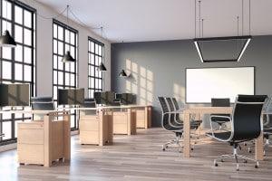 Dolori da ufficio: esercizi da scrivania per prevenire i dolori