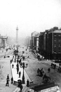 1880: O'Connell street e O'Connell Bridge a Dublino, con la colonna di Nelson in fondo