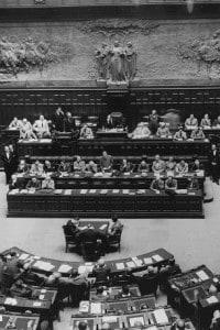 Il Premier De Gaspari presenta il suo governo appena formato.