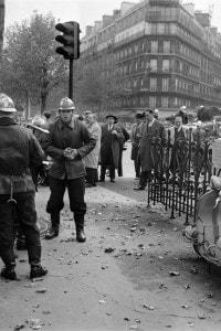 Attentato dell'OAS in a Parigi l' 1.11.1961 dopo manifestazione contro il razzismo a cui partecipò Sartre