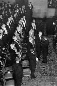 Thomas Mann riceve il Premio Nobel nel 1929 dal re Gustavo di Svezia