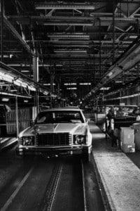 Auto incompiute sulla catena di montaggio della Ford a Mahwah, durante uno sciopero il 15 settembre 1976