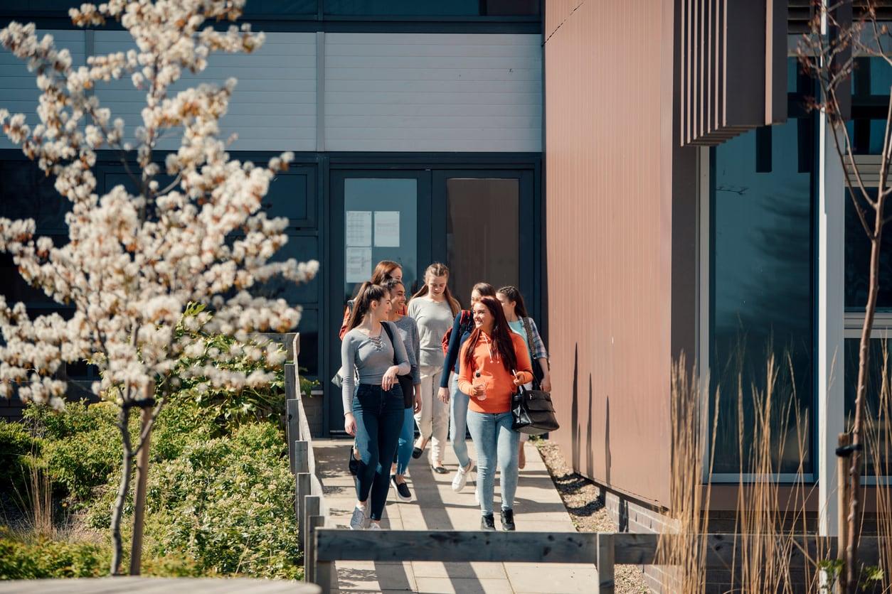 Iscrizioni scuola 2021 2022, MIUR: date e istruzioni | Studenti.it