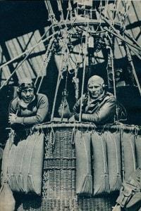 Equipaggio statunitense che raggiunse lo spazio con una mongolfiera, l'Explorer II, nel 1935 stabilendo un recordi di 72.395 piedi.