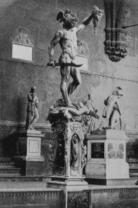Perseo: scultura di Benvenuto Cellini situata nella Loggia dei Lanzi a Firenze