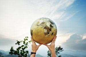 tema argomentativo sul villaggio globale