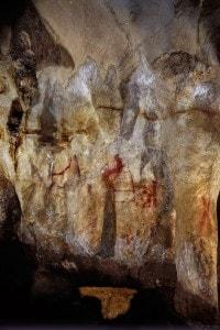 Pitture rupestri dipinte dai Neanderthal trovate nella grotta La Pasiega, in Spagna